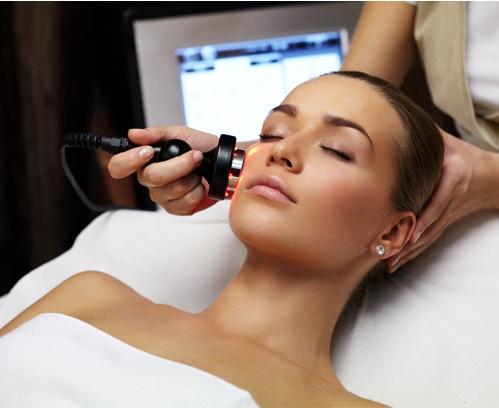 mezoterapia bezigłowa twarzy